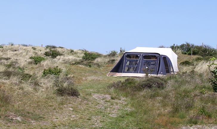 Combi-Camp FLEXI vouwwagen op camping in de duinen